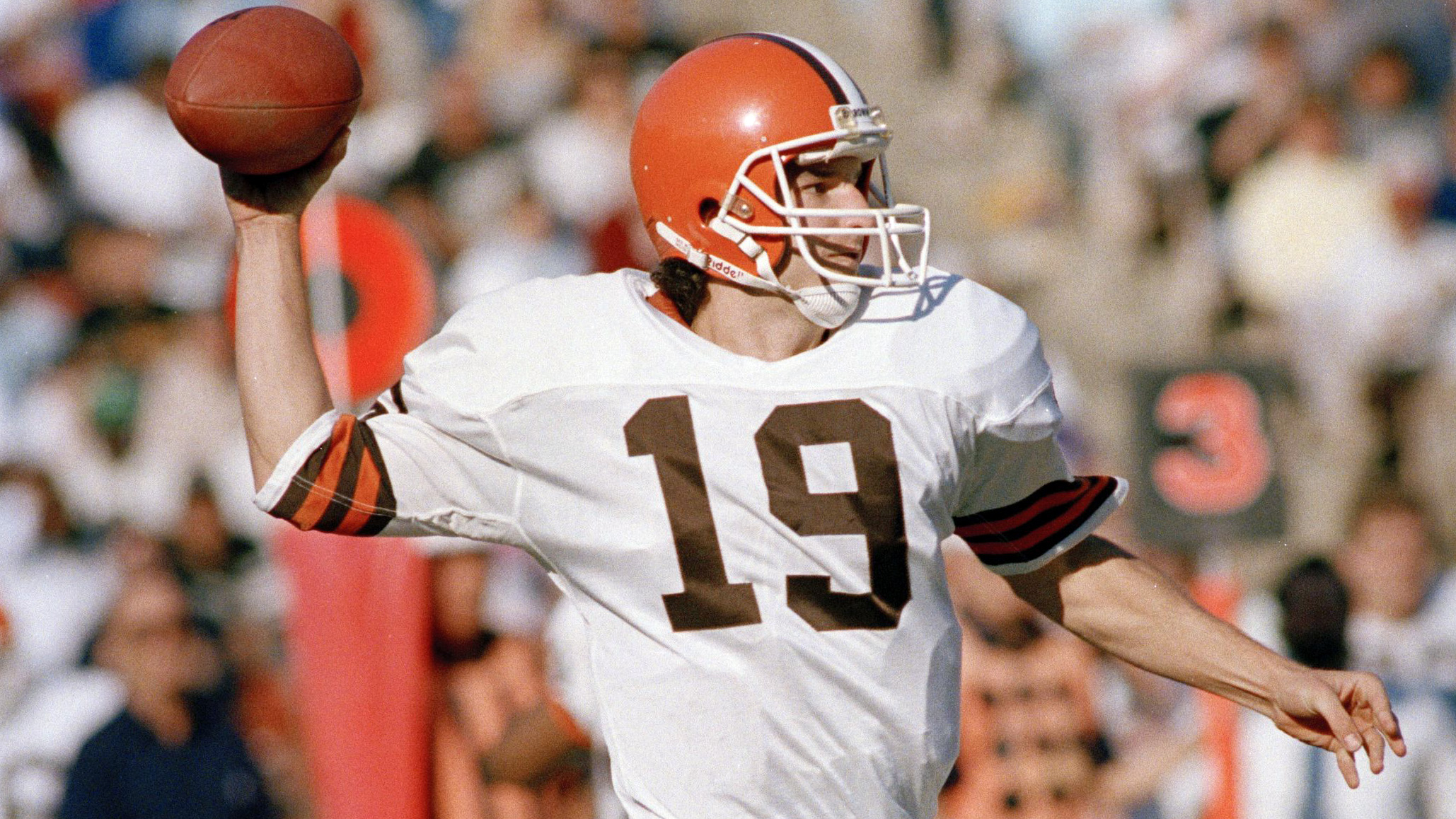 Hear Browns legend Bernie Kosar & broadcaster Jim Donovan's new SiriusXM show 'Dawg Pound Radio' | Hear & Now