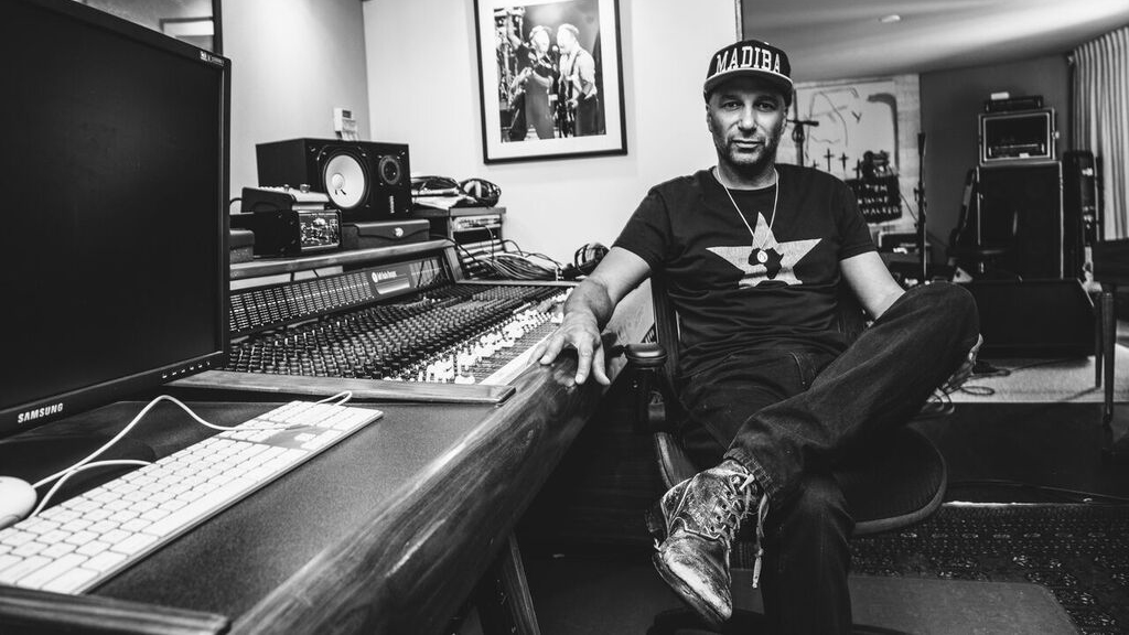 Rock out with Tom Morello as he premieres new songs from his upcoming EP on Lithium